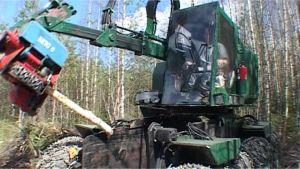 Jussin kehittämä metsäkone