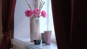 En marmorerad vas av Sami Rinne.