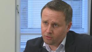 Vargjakten är fullt laglig, säger Sami Niemi på jord- och skogsbruksministeriet.