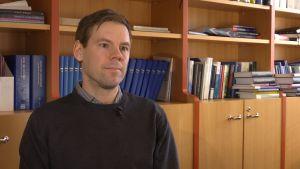 Tomi Viitala on Aalto-yliopiston vero-oikeuden apulaisprofessori.