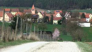 Gustenfelden har omkring 400 invånare.