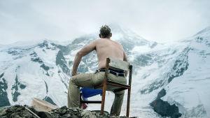 Matti Ristisen esittämä Ilmari Kazakstanissa vuorella