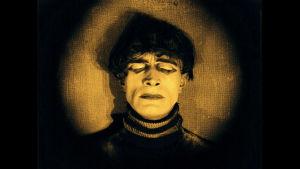Conrad Veidt elokuvassa Tohtori Caligarin kabinetti (1920).