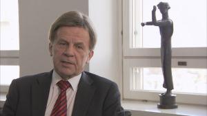 Mauri Pekkarinen var inrikesminister 1991