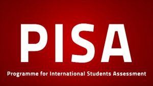 PISA som text, vit text på röd bakgrund