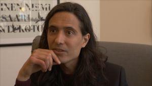 Den svenske författaren Jonas Hassen Khemiri