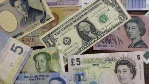Ulkomaisia valuuttoja.