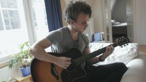 Sebastian Mellblom som medverkar i tv-serien Andra stadiet.
