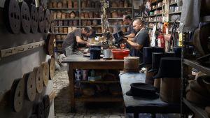 Borsalino-hattuja valmistetaan