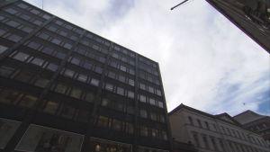 Huoltovarmuuskeskus sijaitsee Helsingin Aleksilla.