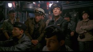 ubåtsbesättning inne i ubåten.