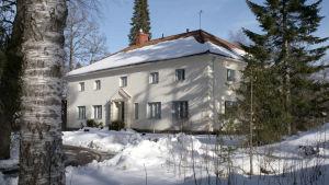Urho Kekkosen arkisto, ulkoa, talvikuva
