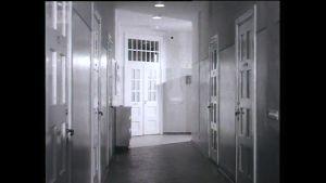 Svartvit bild på en sjukhuskorridor. Bilden är tagen på 60-talet på Ekåsens sjukhus.