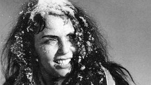 Mirjami Kuosmanen elokuvassa Valkoinen peura.