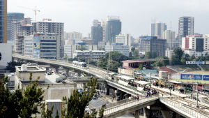 Kaupunkiliikenteen vilinää Etiopiassa