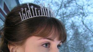 Kvinnoansikte med tiara