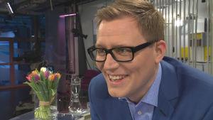 Aamu-TV:n toimittaja Mikko Haapanen
