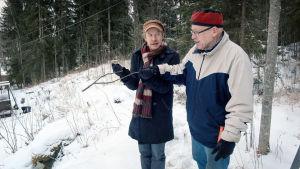 Einarin lapsuus olisi voinut olla kuten muidenkin suomalaisten poikien, mutta kaikki muuttui kun hänen isänsä valaistui.