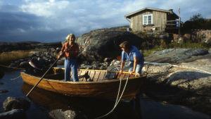 Tove Jansson och Tuulikki Pietilä på Klovharun