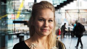 Kansanmuusikko Noora Kauppila.