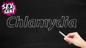 en svart bakgrund var det står klamydia som om det skulle vara skrivet med vit krita