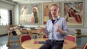 Ihmeitä tekevä Tihvinän Jumalanäidin ikoni palasi Venäjälle vuonna 2004, oltuaan kadoksissa vuosikymmeniä.