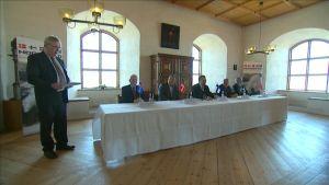 De nordiska försvarsministrarna och försvarsrepresentanterna träffades på Åbo slott.