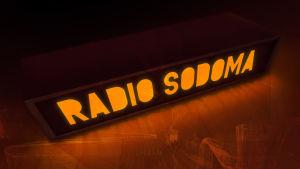 Radio Sodoman pimeässä oranssina hehkuva lähetysvalo
