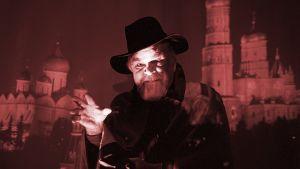 Kuvassa pelottavan näköinen mies Moskovan yössä