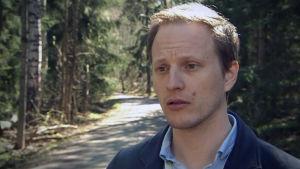 Jussi Sane, sakkunnig på THL talar om fästingläget