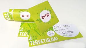 Vihreät kutsukortit
