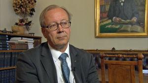 Kansallisarkiston pääjohta Jussi Nuorteva työhuoneessaan toukokuussa 2017.
