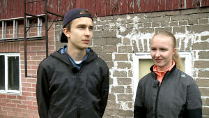 Syskonen Simo och Saara Lipsanen