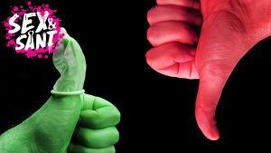 en grön tumme som visar upp i en hörnet av bilden med en kondom på och en röd tumme i andra hörnet av bilden utan kondom och den visar tummen neråt