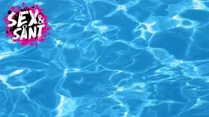 vatten i en simbassäng