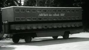 """Saksalainen hotellibussi eli """"rotelli""""."""