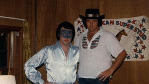 Den amerikanska artisten Jimmy Ellis, under artistnamnet Orion, och Steve Kelley