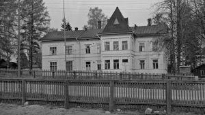 Arvid Lindin rakennuttama Villa Lindebo Oulunkylässä.