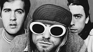 Nirvana-yhtye. Kuva dokumenttisarjasta Paluu 90-luvulle (2014).