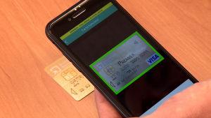 Företaget EasyTransac producerar en mobilapplikation för kortbetalningar.