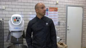 Fagnani on ravintolakokki joka vastaa nyt neljän koulun ruoasta Malmössä.