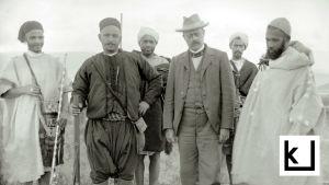 Artikkelin pääkuva, jossa Edvard Westermarck seurueen keskellä.