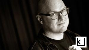 Kuvassa toimittaja Tuomas Karemo.