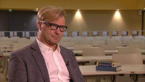 Psykiatriyhdistyksen puheenjohtaja Sami Pirkola
