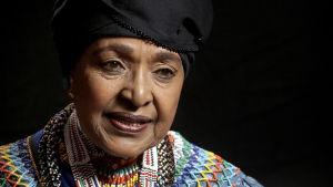 Winnie Mandela kertoo dokumentissa omasta elämästään.