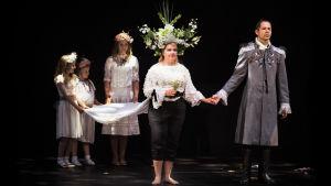 Kohtaus Meyerbeerin oopperasta Pohjantähti.