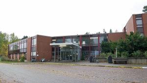 Evitskogs mottagningscentral i Kyrkslätt.