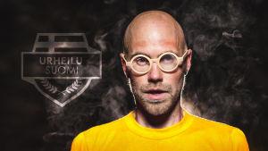 Heikki Soini juontaa Urheilu-Suomen lähetystä Yle Puheella.