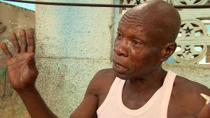 Äldre man i Abobo, Elfenbenskusten.
