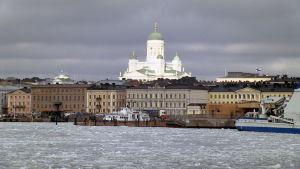 Talvinen näkymä Helsingin Eteläsatamasta